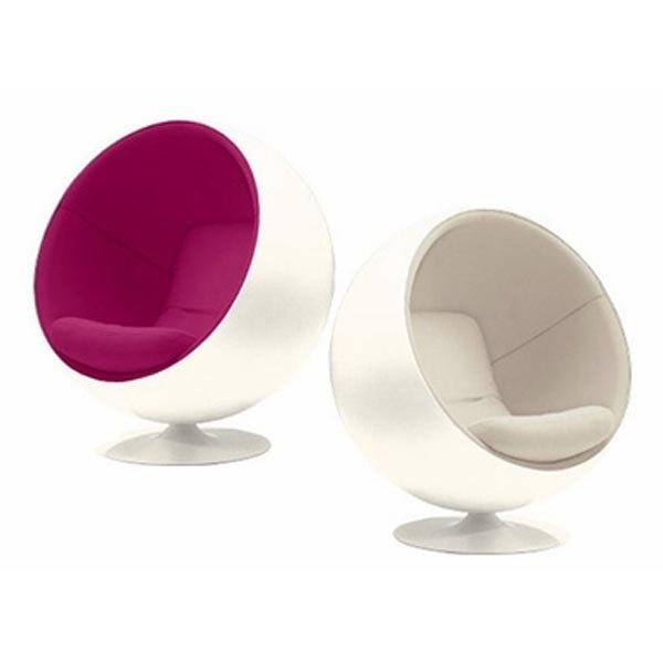 Cool Egg Chairs!