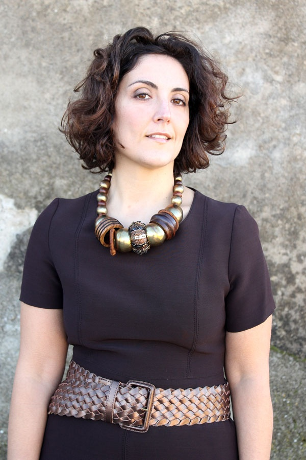 curly hair statement necklace