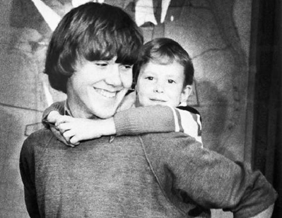 Top 10 Kidnapping Victims Who Were Found Alive - Steven Stayner and Timothy White (escaped March 1, 1980)  Read more: http://www.toptenz.net/top-10-kidnapping-victims-who-were-found-alive.php#ixzz2UnI8XCCg