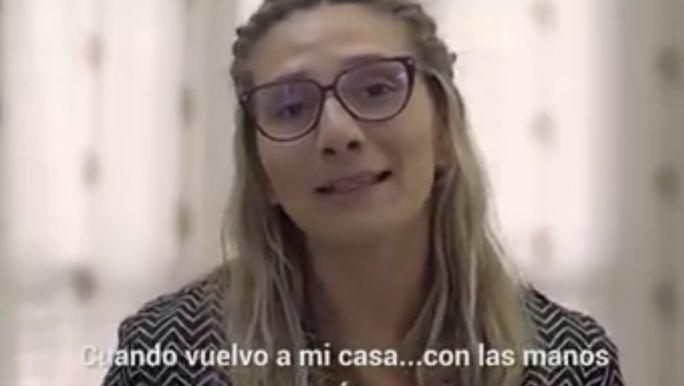 Un spot de Somos Mendoza muestra a una mujer que perdió todo culpa de Macri. Pero no era así…