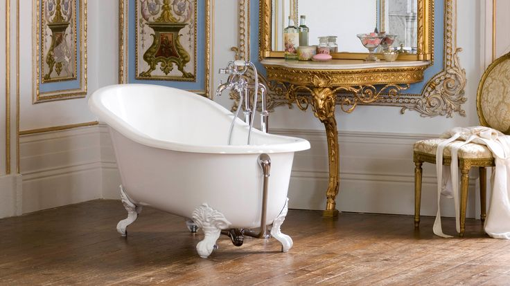 The Victoria + Albert Shropshire slipper bath is a classic- it echoes Victorian style with modern skill. With its compact design and customisable feet the Shropshire is easy to adapt to your own tastes and space.  Come in to our showroom to see this beautiful bathing piece in person!