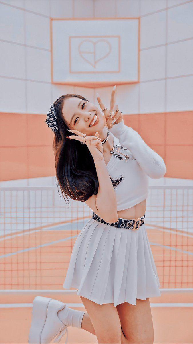 Blackpink Jisoo, Kpop Girl Groups, Korean Girl Groups, Kpop Girls, Photographie Indie, Mode Kpop, Blackpink Members, Lisa Blackpink Wallpaper, Black Wallpaper