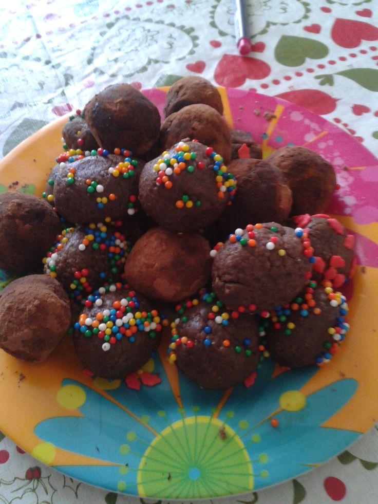 Cocadas de chocolate - con galletas tritón y cookies de frambuesa ñami-ñami