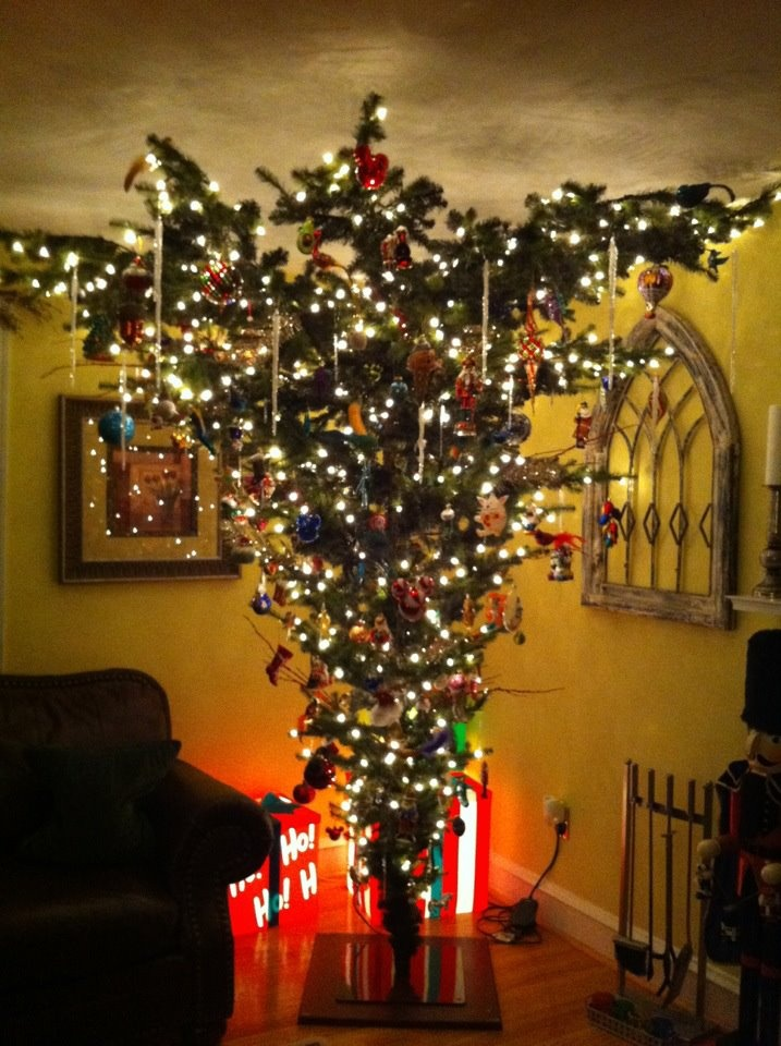 Upside down christmas tree, not sure about this ...