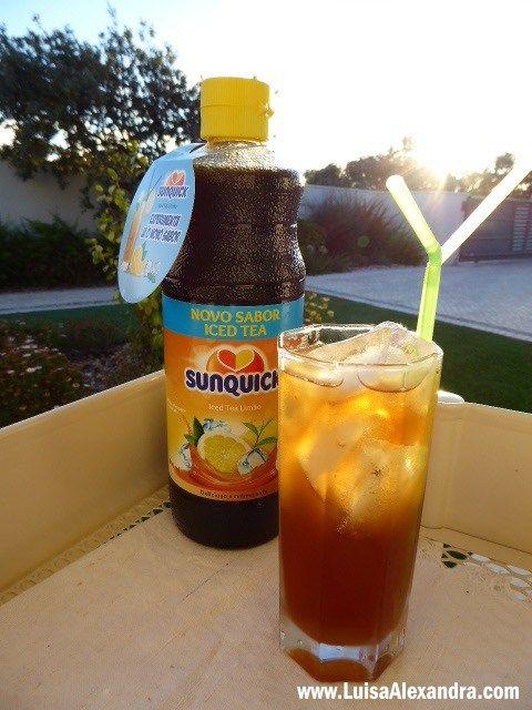A Sunquick é uma marca presente aqui no meu blog. São vários os produtos que já vos mostrei, e hoje trago a mais recente novidade de Verão! O novo sabor SunQuick Iced Tea de Limão, doce no paladar e suave na textura, é o refresco ideal para as férias de Verão  Cá porRead More »