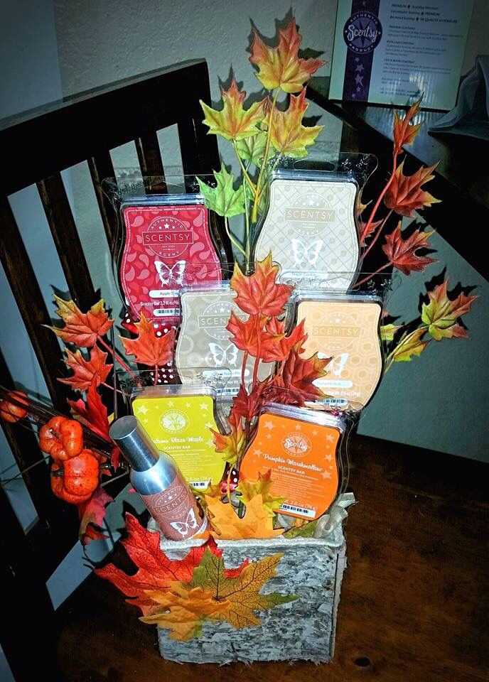Scentsy fragrance bar fall bouquet with room spray. Perfect hostess or housewarming gift #scentsbykris