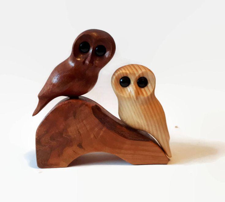 Cadeau d'anniversaire pour son art rustique bois cadeau pour lui unique mariage cadeau pour le couple fait à la main 5e anniversaire femme mari par NorthwoodsCarvings sur Etsy https://www.etsy.com/ca-fr/listing/576800770/cadeau-danniversaire-pour-son-art