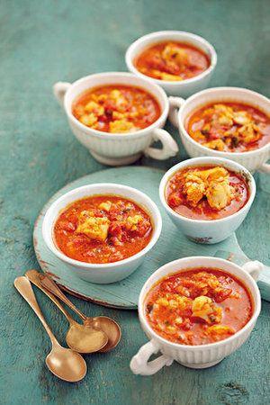 Ons kies vir jou 10 van die lekkerste sop-resepte uit die SARIE-resep-argiewe - nét reg vir die koue weer! (Hooffoto: Pampoensop)