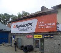 Spory baner dla Hankook'a