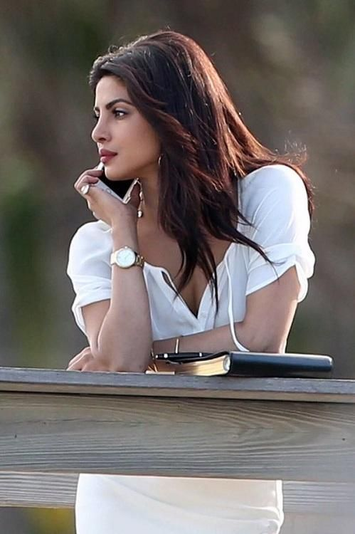 Voila! Priyanka All Set To Announce Her Next Hollywood Film? | PINKVILLA