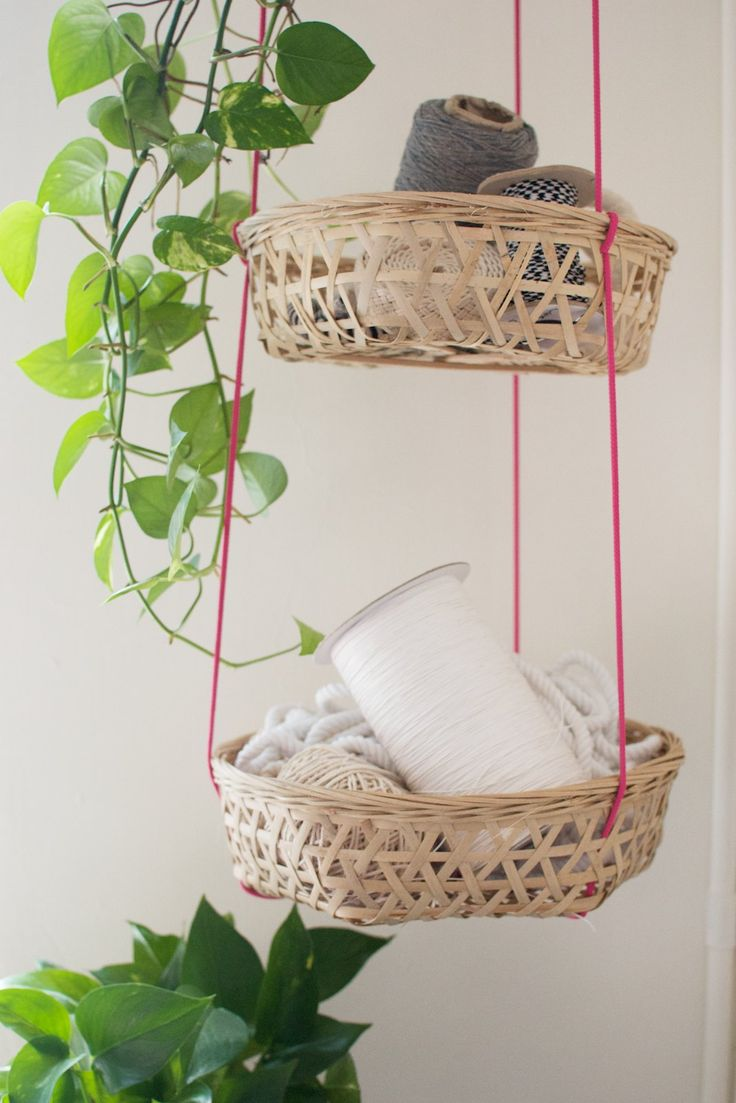 DIY+HANGING+BASKETS.. This is a great way to store lots of little things!