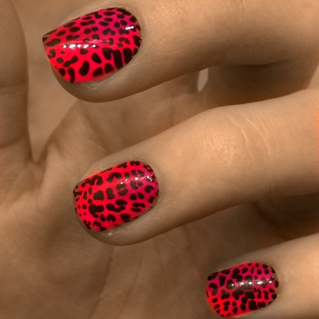 red leopard print nails    www.lab333.com    www.facebook.com/pages/LABSTYLE-by-LAB/189452871067225    www.lablikes.tumblr.com    www.pinterest.com/labstyle
