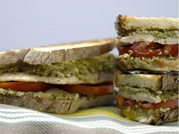 Panini de Frango Grelhado e Pesto de Brócolis - Food Network