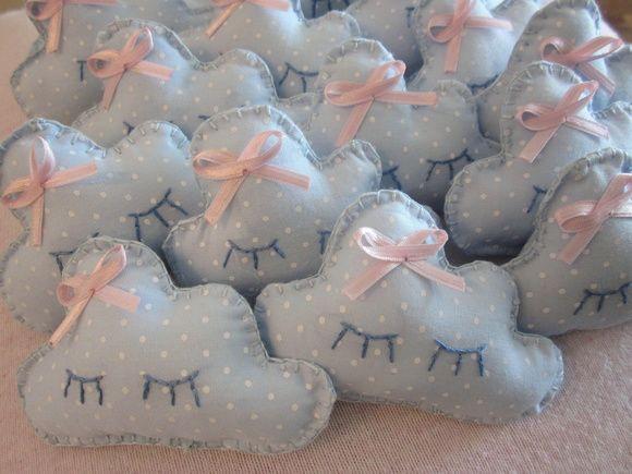 Lembrancinha de nuvem (projeto especial) tecido 100% algodão, enchimento + aroma.  - não acompanha saquinhos ou tags