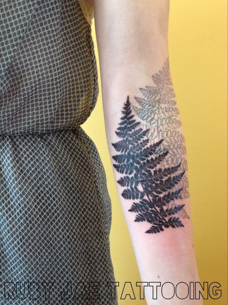 les 20 meilleures images propos de tatouage fougere hortensia et plus sur pinterest foug res. Black Bedroom Furniture Sets. Home Design Ideas