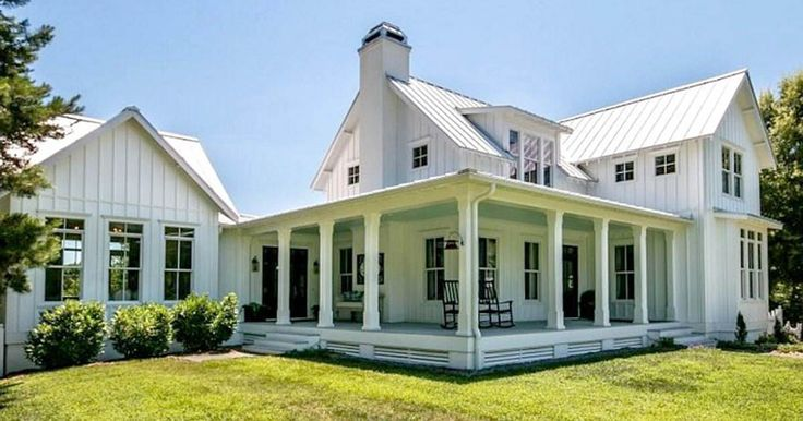This North Carolina dream Farmhouse was recently put up on the market, and Julia from Hooked on Houses was quick to do some online sleuthing in order to...
