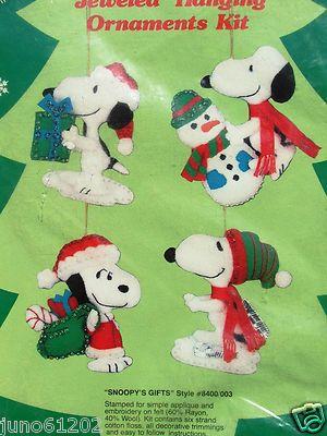 PEANUTS SNOOPY SNOOPY'S GIFTS Felt Christmas Ornament Kit Snowman Dog
