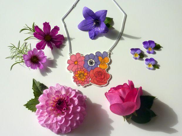 Flower bouquet necklace