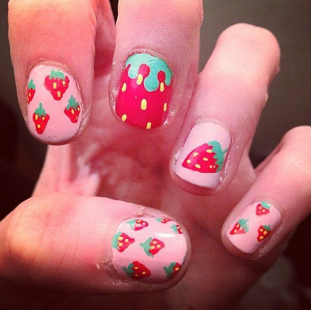 Aardbeien nagellak - 05