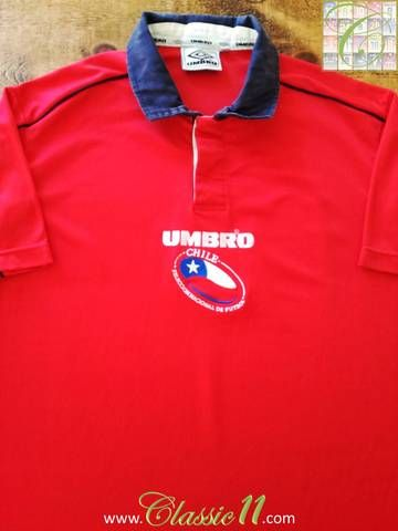 Official Umbro Chile home football shirt from the 2000/01 international season.