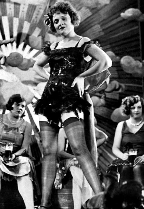 Marlene Dietrich in Der Blaue Engel, 1930
