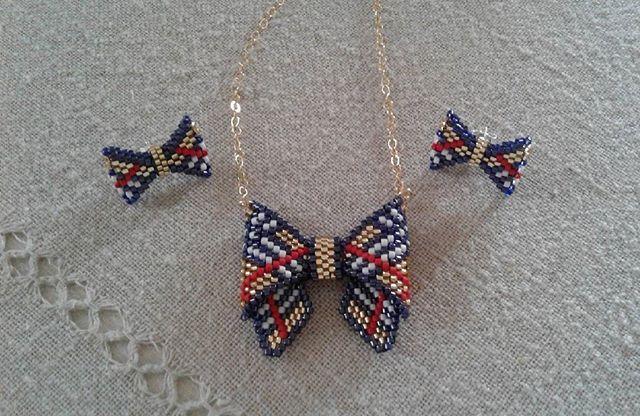 Et encore un noeud papillon et ses boucles d'oreilles pour ma fille  #bijoux #jewels #perles#beads#miyuki#peyotestitch #noeudpapillon #bowtie #burberry#delicas#jenfiledesperlesetjassume #perlesandco #faitmain #handmade#perlesaddict