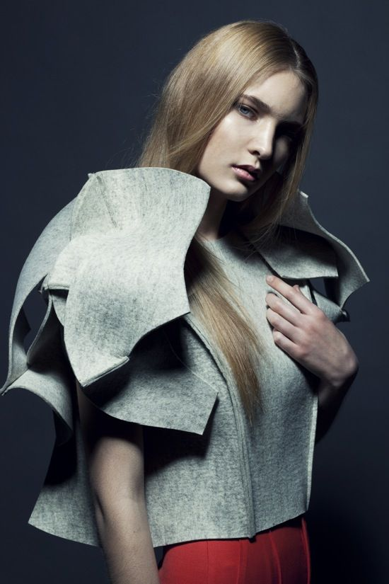 3D Structured Fashion - minimalism, fabric manipulation and experimental sculptural form // Arena Page