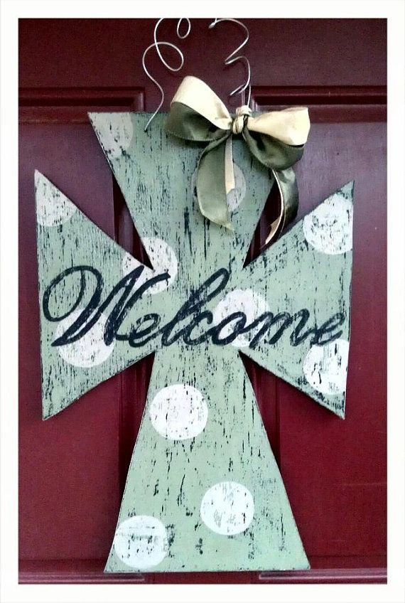 I wanna make a WELCOME Cross for my front door, I want mine more Western/Rustic but this gave me a good layout!