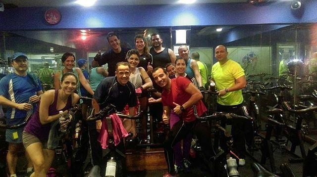 """""""@Regrann from @yerald1987 -  Activos en la clase de hoy... Grupo  functional  Cycling  Miergoles  6:00  AM adrenalina al máximo @FUNCTIONALCYCLING INTENSITY INTERVAL CYCLING®  En Caribbean Spa @CaribbeanSpaVe ☝😍 Ciclismo de Salón Sistema de entrenamiento EsdraFitness Sports® y EsdraFitness Club Deportivo, C.A.  @EsdraFitness Profesionales del Ciclismo Funcional ______________________________________________________ 🏃 ESTAMOS PARA IMPULSARTE 🏃…"""