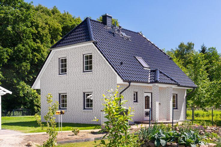 14 besten landhaus bilder auf pinterest landhaus for Klassisches einfamilienhaus