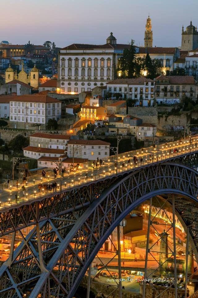 Porto - Centro Histórico To learn more about #Porto click here: http://www.greatwinecapitals.com/capitals/porto