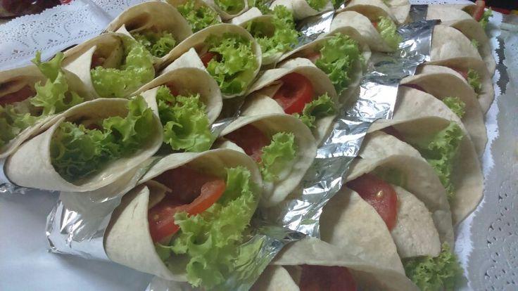 Minifajitas ave- palta- tomate- lechuga