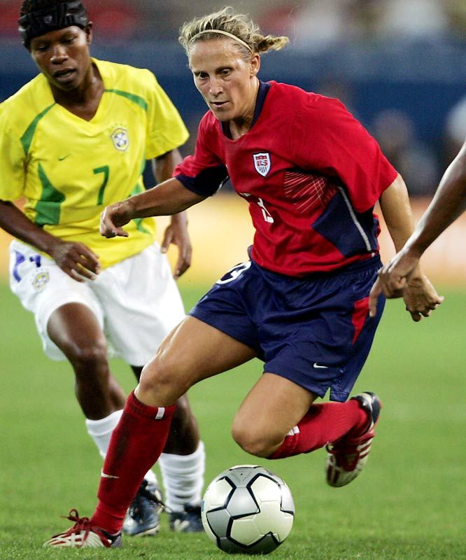 a biography of mia hamm an athlete A promising start mia hamm joined the united states national team at the age of 15 and scored her first international goal at 18 in 1991, she was a member of us team that won the women's world cup.