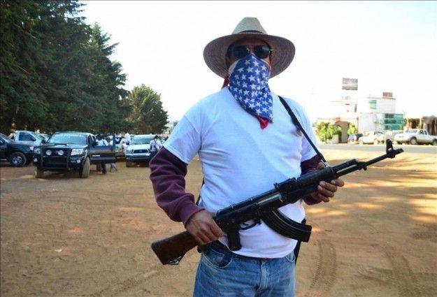 Grupos de autodefensa pactan su desmovilización con el Gobierno mexicano