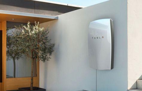 La nueva batería de Tesla, PowerWall, consigue aprovechar el 100% de luz solar y convertirla en energía para todo el día.