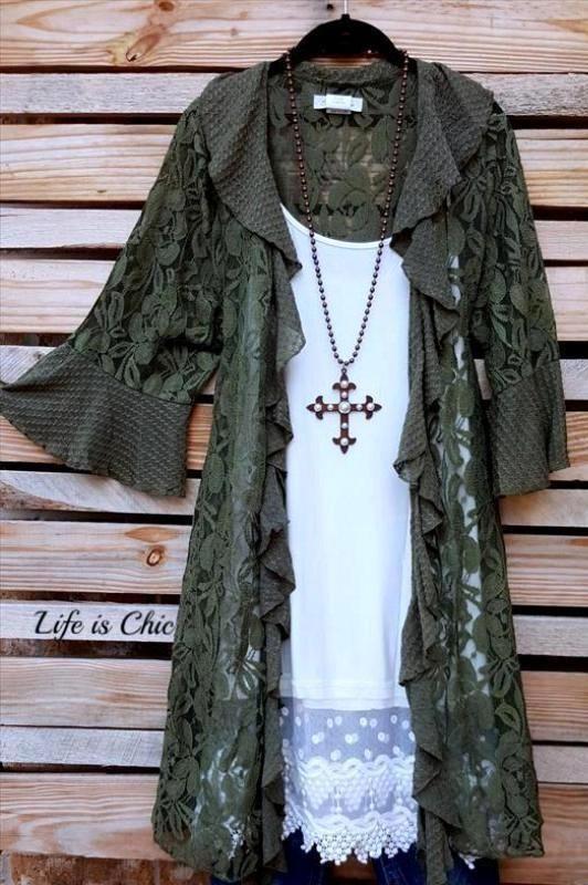 98c78de9df28 Life is Chic is a plus size boutique that offers plus size tunics, plus size