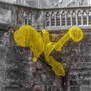 farbigen Plastikhalmen:die Passion Bucheggers, Ihre faszinierenden Objekte:luftige, filigrane Skulpturen,strenge, geometrische u.transparent schimmernde Objekte.