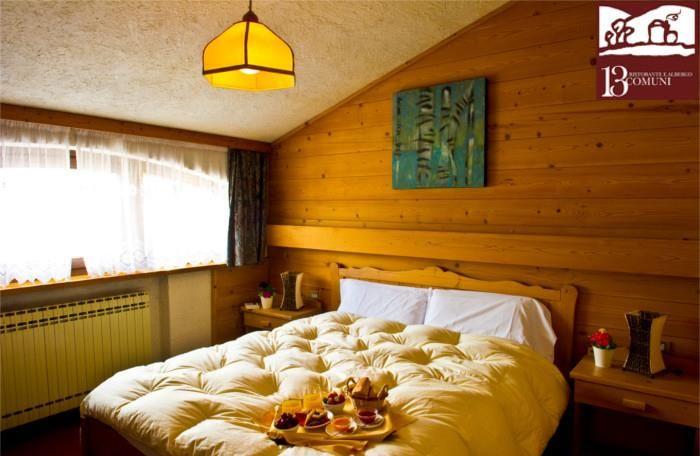 In the central square of Velo Veronese airy bedrooms are waiting you, perfect for yours winter break in high #Lessinia.  #13Comuni offers you the better courses of the Veronese mountain, with only high quality products from local producers.  An act of love towards an ancient territory.  #bellissimaterra #illasivalleys #solodanoi
