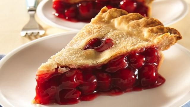 Just 4 ingredients and -- voila! -- Super Easy Fruit Pie