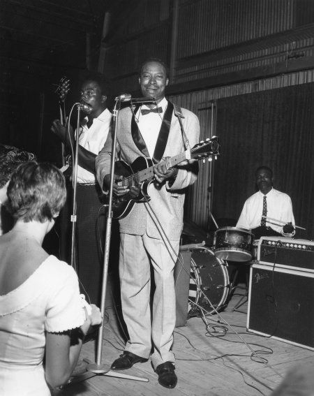 Jimmy Reed onstage at the Heart O' Texas Coliseum - 1961 Photo by Jimmie Willis c