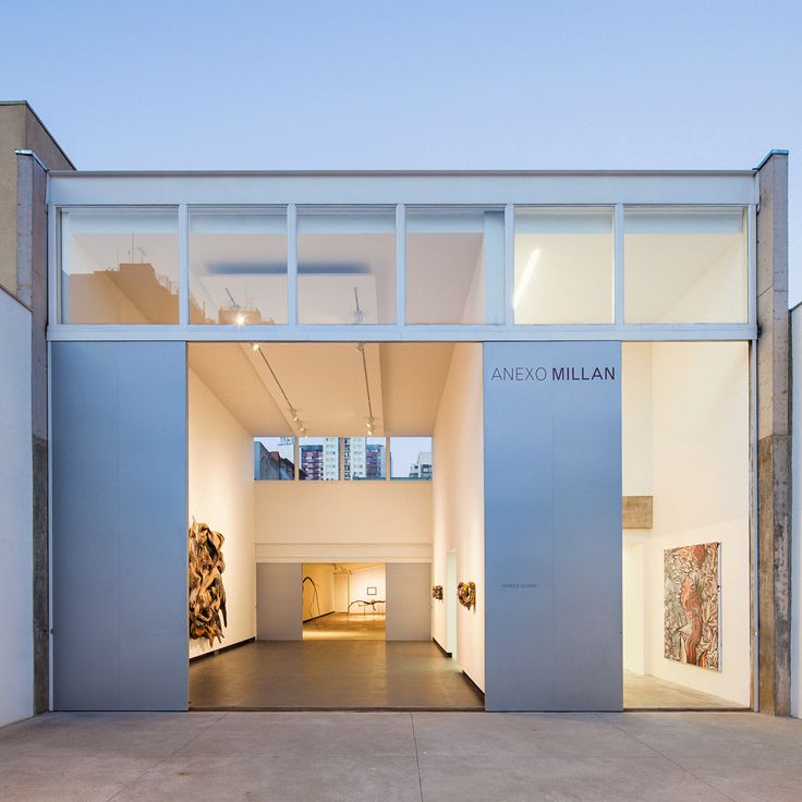 Twelve years after designing the Galeria Millan exhibition space in São Paulo, architects Sérgio Kipnis and Fernando Millan have added an annex