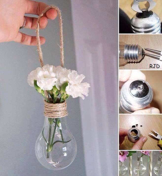 Återbruka mera! Varför slänga en ej fungerande glödlampa, när du kan använda den som vas?! ;)