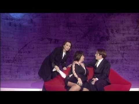 French and Saunders Comic Relief - Dawn French gets kissed by Hugh Grant