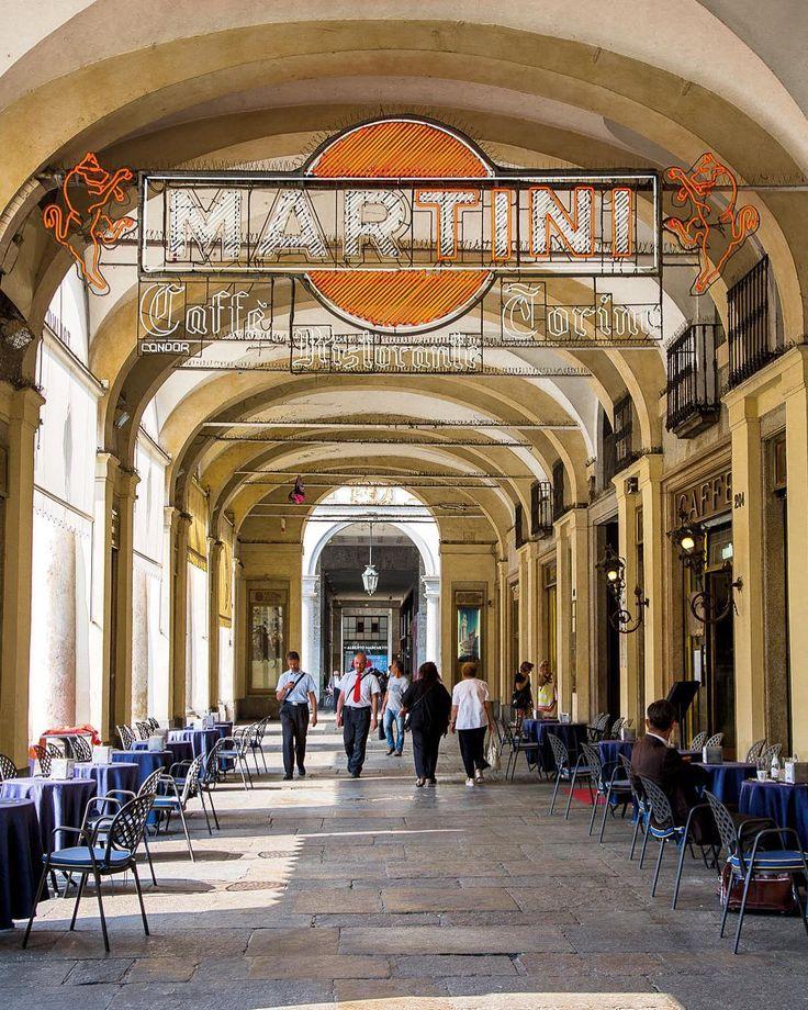 [Torino] Ah Turin ! Un coup de foudre entre toi et moi. Comme si notre rencontre était une évidence ! Belle Turin ! Tes cafés tes aperitivo tes enseignes d'un autre temps... #turin #torino #turismotorino #discoveryturin #igitaly #igersitaly #italy #torinocity #citylife #brusselsairlinestravel #iloveitaly #igpiemonte #travel #travelgram #travelphotography #discovering_europe #instatravel #europe #streetphotography #martini #inthestreets #photodujour #picoftheday #canonphoto #canon #defi365