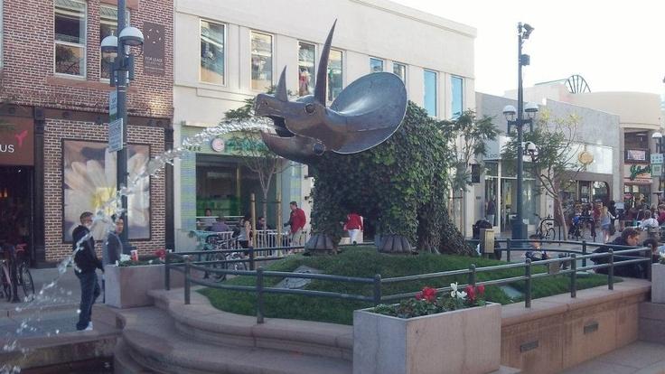 Cool fountains in Santa Monica