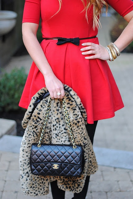 Red dress & Leopard Piece & Black accessories