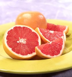 """The Journal of Agricultural and Food Chemistry shows that consumption of grapefruit can reduce LDL (""""bad"""") cholesterol, as well as triglycerides.: Burning Calories, Health Benefits, Fat Burning, Diet Plans, Healthy Recipe, Fruit Desserts, Healthy Food, Grapefruit, Weights Loss"""