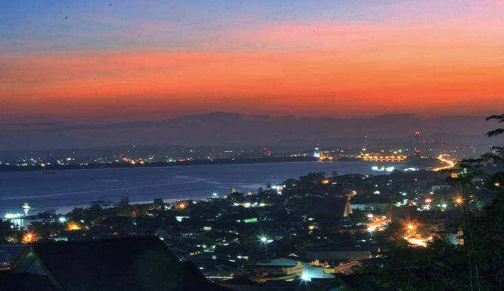 Sunset Kota Kendari, Sulawesi Tenggara, Indonesia