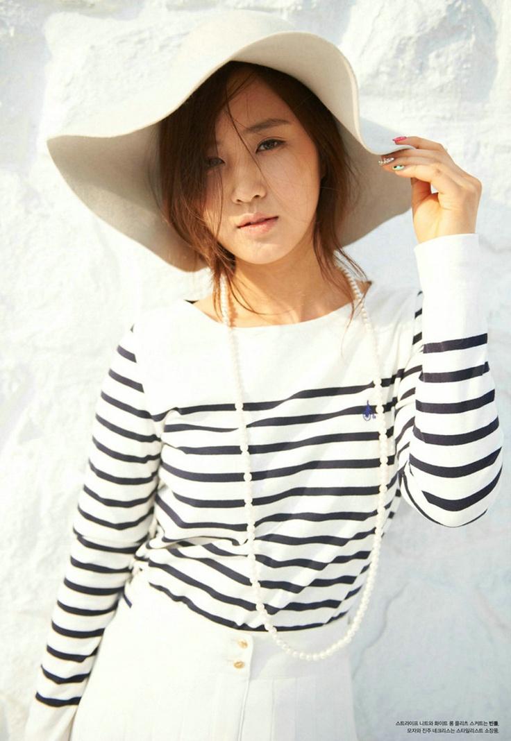Yuri kwon snsd red shorts cum tribute 10