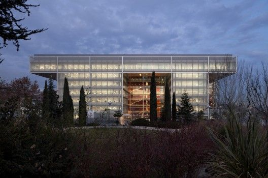 Banco popular headquarters in Madrid by Arquitectos Ayala